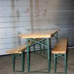 Bier- / partyset(houten tafel met 2 banken)